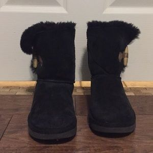 Excellent Condition Women's Black UGGs, size 5